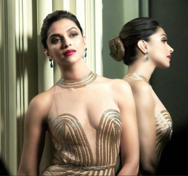 Deepika Padukone unseen Hot Looks