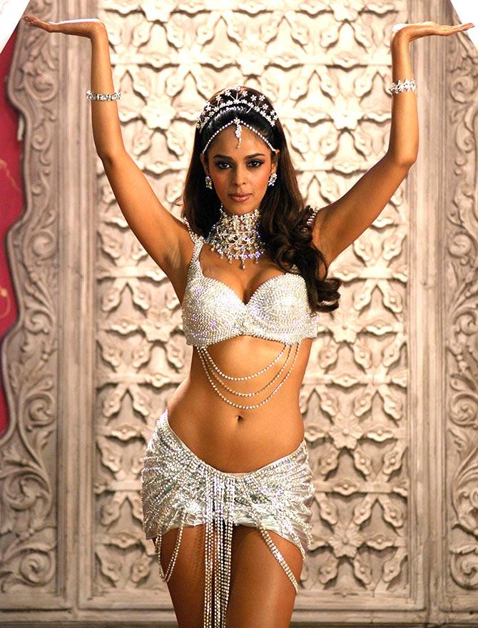 mallika-sherawat-hot-photo