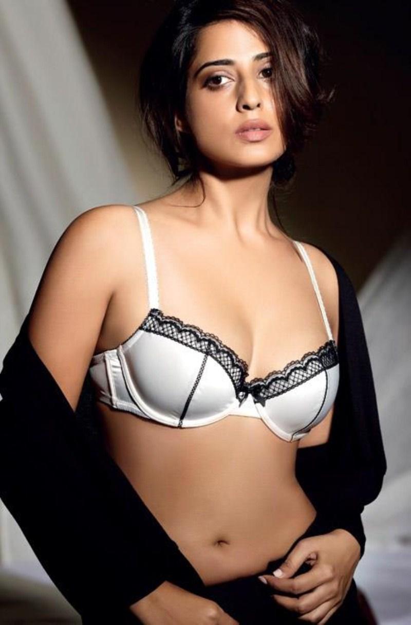 Mahi-Gill-Hot-Images