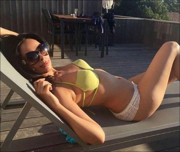 mallika sherawat ka bikini photo