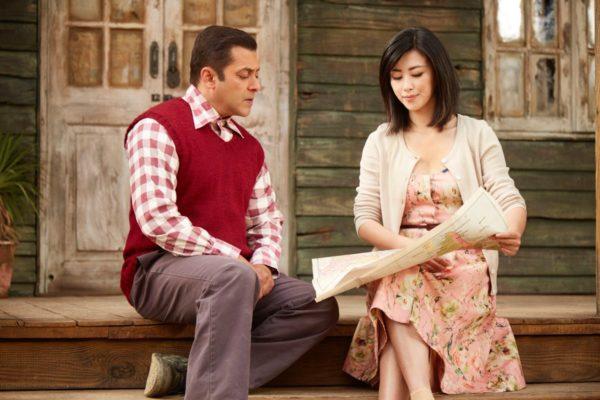 Tubelight Movie's Actress Zhu Zhu's Photos with Salman Khan
