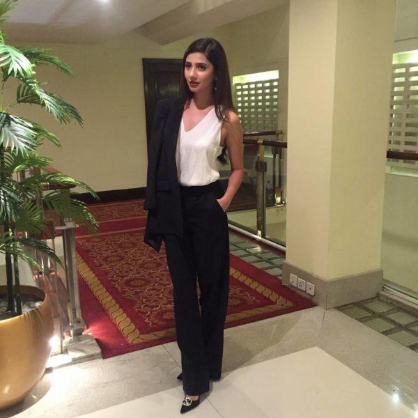 Porno Cleavage Maira Khan  nudes (74 pics), iCloud, bra