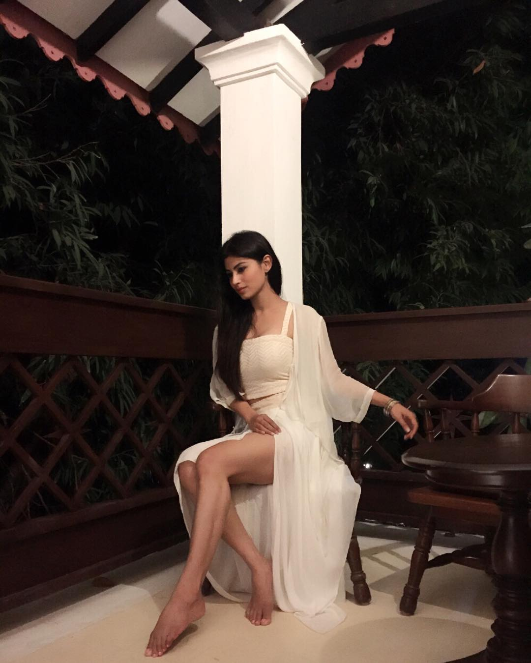 Mouni-Roy-Hot-looks Mouni Roy 15+ Scorching Photograph's in Bikini Swimsuit Pictures Horny Wallpapers