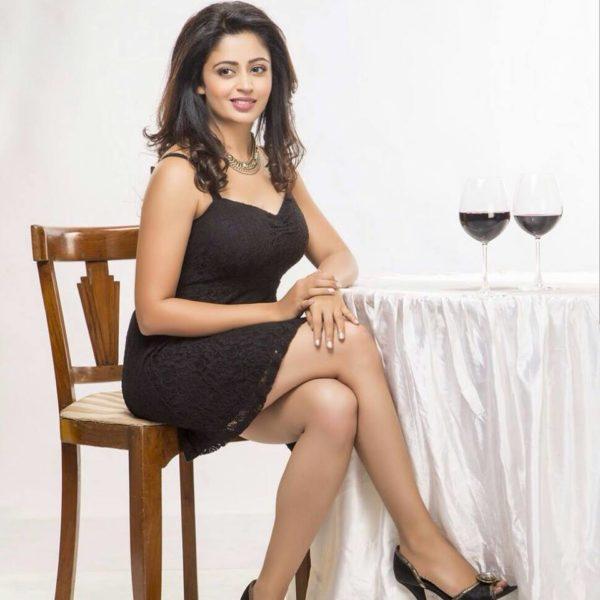 Neha-Pendse-hot-sexy-leg-600x600 Neha Pendse 15+ Picture's of Tremendous Scorching Unseen Bikini Swimsuit Pics & Wallpapers