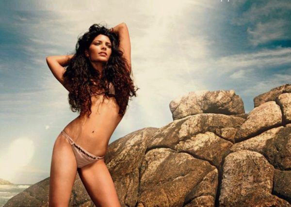 Saiyami-Kher-wallpaper-e1500481492651-600x427 Saiyami Kher 15+ Pictures of Tremendous Scorching Unseen Bikini Swimsuit Pics & Wallpapers