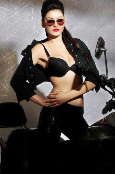 Urvashi-Rautela-hot Urvashi Rautela 11+ Unseen Bikini Swimsuit Pictures Age & Wiki