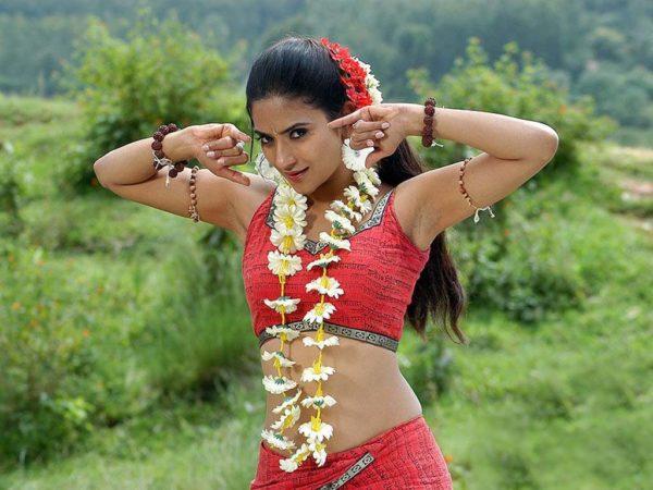 Aditi-Sharma-hot-600x450 Aditi Sharma 11+ Unseen Bikini Photograph, Scorching Horny Swimsuit Images Age & Toes Wiki