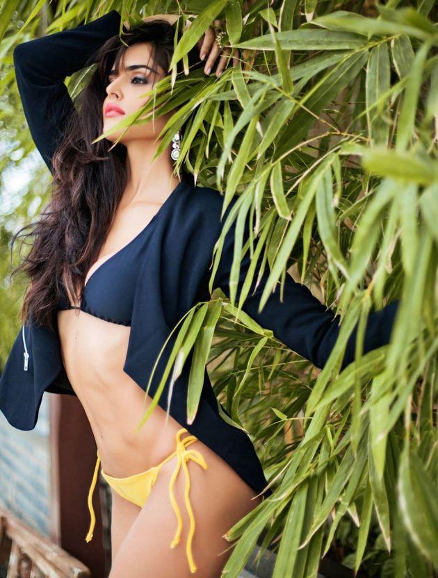 Nathalia-Kaur-Bikini Scorching & Attractive Nathalia Kaur 11+ Unseen Bikini Swimsuit Images Age Wiki