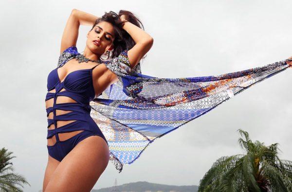 Nathalia-Kaur-Hot-Photo-600x395 Scorching & Attractive Nathalia Kaur 11+ Unseen Bikini Swimsuit Images Age Wiki