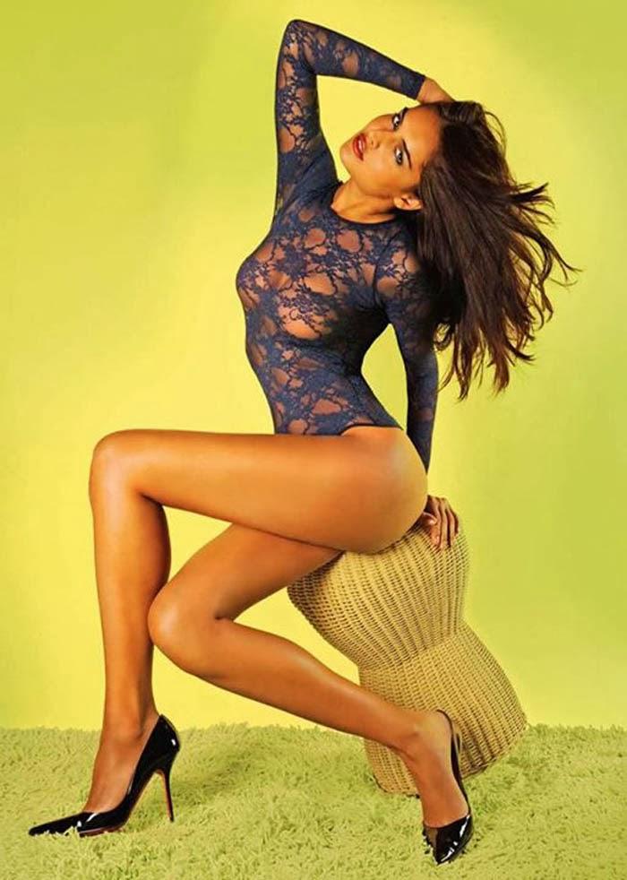 Nathalia-Kaur-Sexy Scorching & Attractive Nathalia Kaur 11+ Unseen Bikini Swimsuit Images Age Wiki