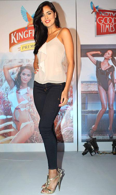 Nathalia-Kaur-height Scorching & Attractive Nathalia Kaur 11+ Unseen Bikini Swimsuit Images Age Wiki