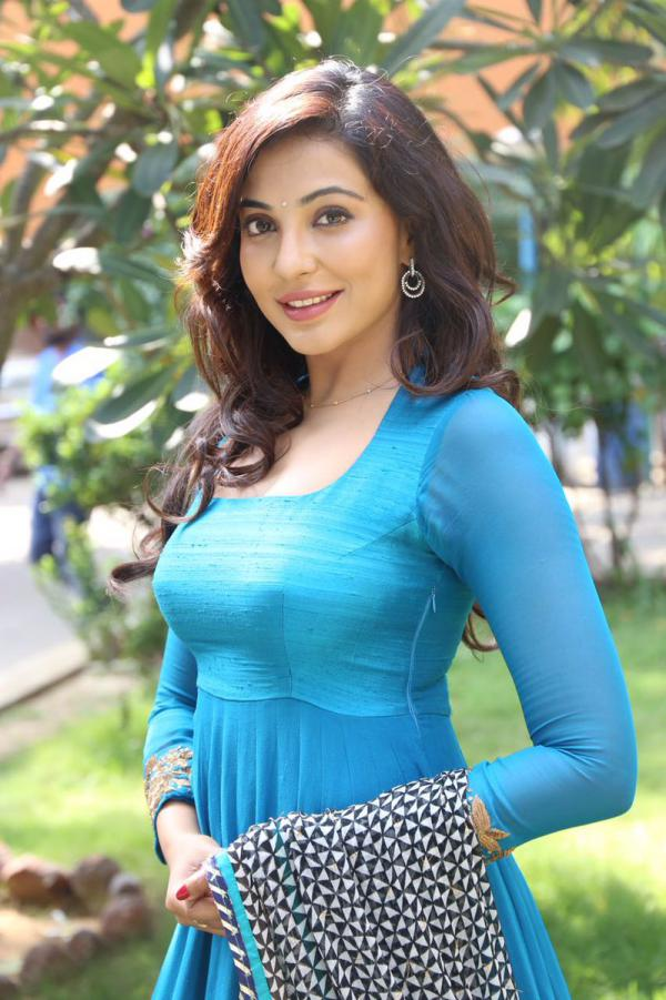 Parvatii-Nair-hot-Photo-Gallery Scorching & Engaging Parvati Nair 11+ Unseen Bikini {Photograph} Swimsuit Photographs Age Toes Wiki