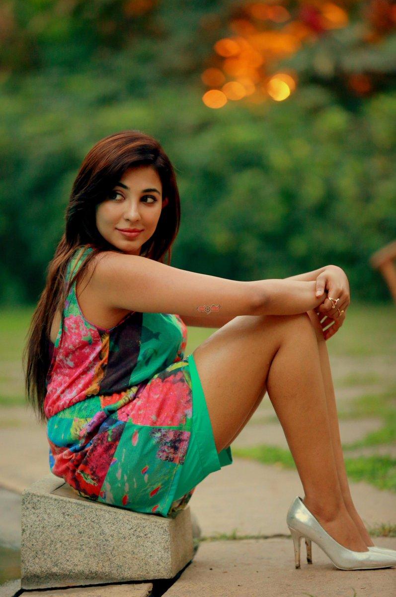 Parvatii-Nair-photos Scorching & Engaging Parvati Nair 11+ Unseen Bikini {Photograph} Swimsuit Photographs Age Toes Wiki