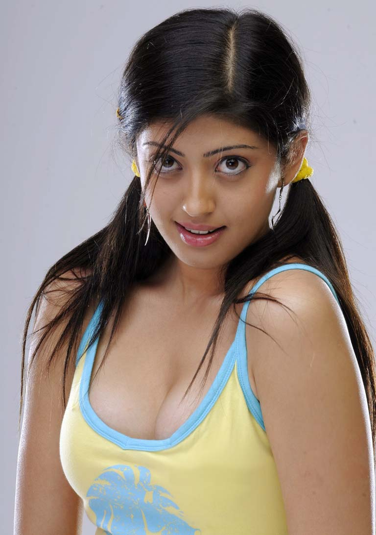 Pranitha-Subhash-Hot-boobs-cleavage-show-pics Pranitha Subhash 11+ Unseen Bikini Picture, Sizzling Attractive Swimsuit Photographs Age & Toes Wiki