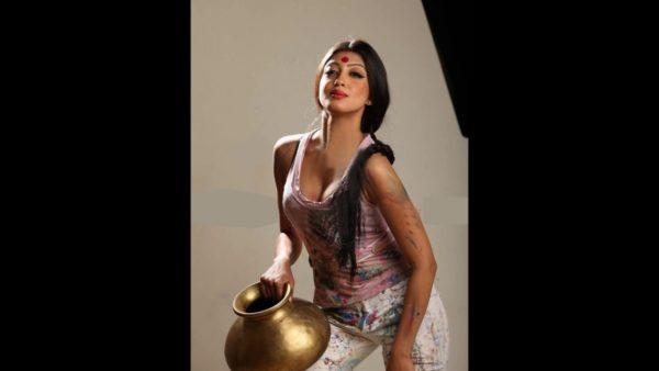 Pranitha-Subhash-hot-cleavage-show-photoshoot-600x338 Pranitha Subhash 11+ Unseen Bikini Picture, Sizzling Attractive Swimsuit Photographs Age & Toes Wiki