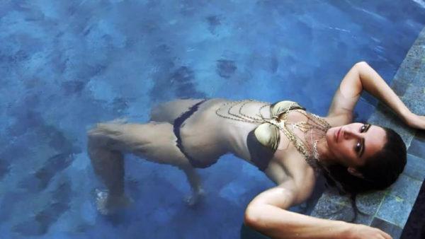 nargis-hottest-bikini-photo-shoot-600x338 Nargis Fakhri 11+ Unseen Bikini Swimsuit Images Age & Wiki