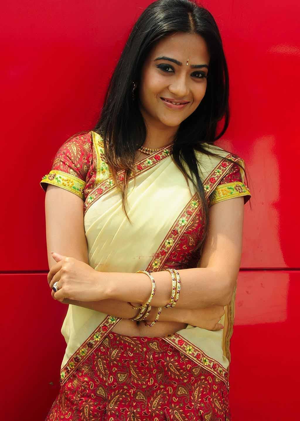 telugu-actress-adithi-sharma-hot-sexy-stills Aditi Sharma 11+ Unseen Bikini Photograph, Scorching Horny Swimsuit Images Age & Toes Wiki