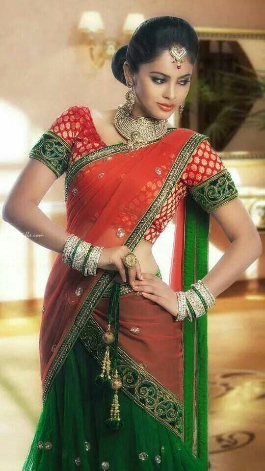 Nandita-Swetha-looks-very-beautiful-in-saree-pics Nandita Swetha 11+ Unseen Bikini {Photograph}, Swimsuit Images Age Ft Wiki
