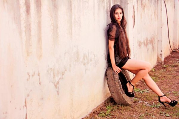 Navneet-Kaur-Dhillon-Wallpapers-600x400 Navneet Kaur Dhillon 11+ Unseen Bikini {Photograph}, Swimsuit Photographs Age Ft Wiki