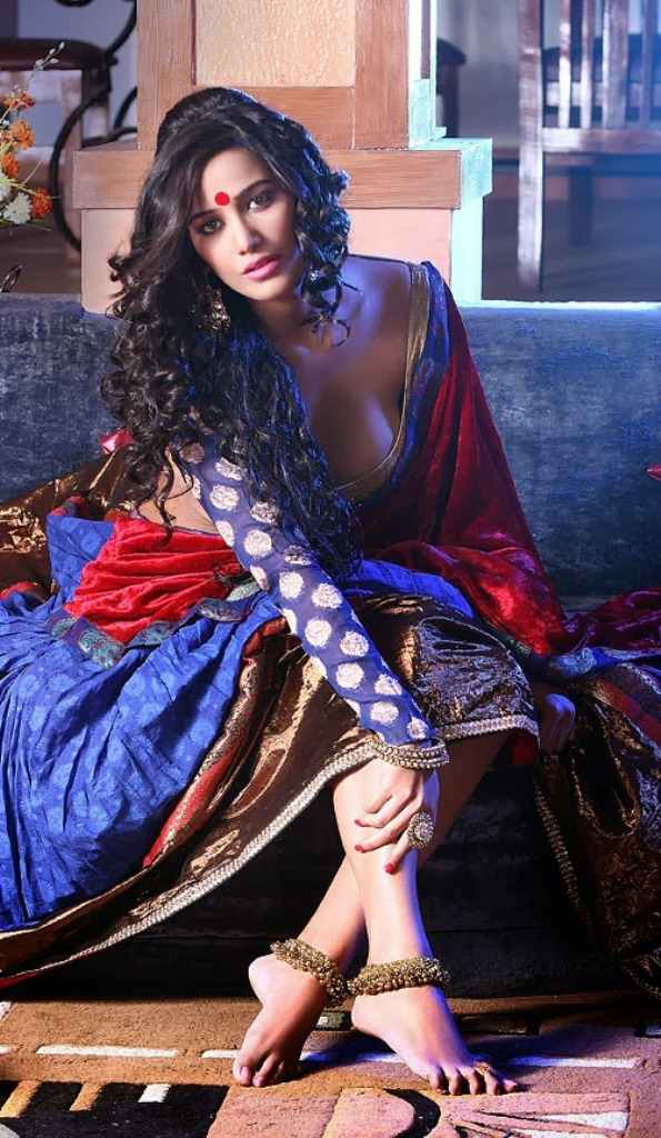 Poonam-Pandey-Hot-SExy-Wallpapers Poonam Pandey 11+ Unseen Bikini Swimsuit Photos Age Ft Wiki