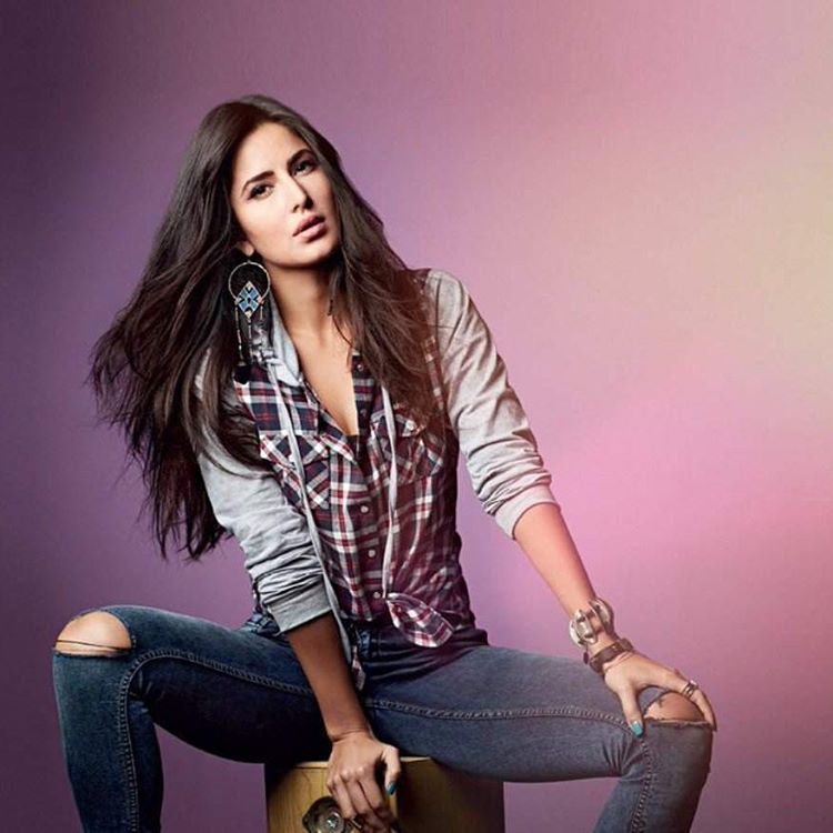 Indian Hot Actress Katrina Kaif Bikini Swimsuit Photos Wiki Bio Film - Photo Tadka-1979