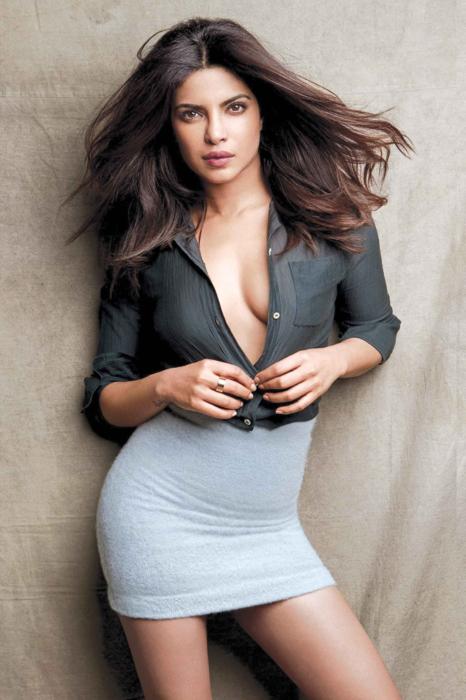 Priyanka Chopra In Bikini Wallpapers