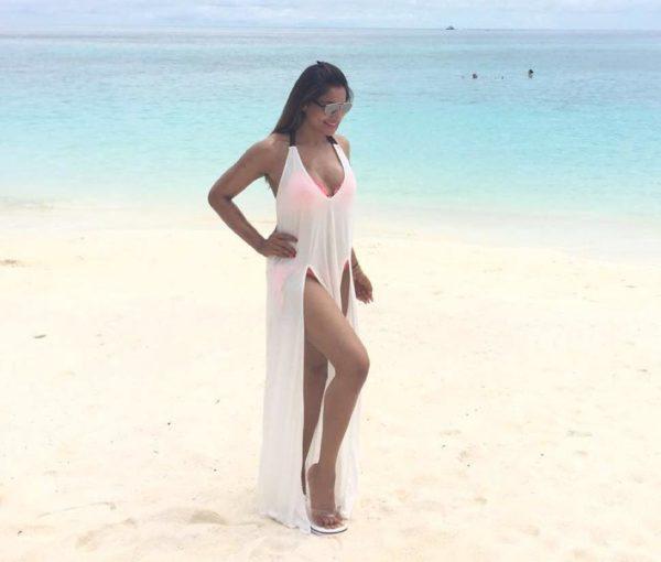 Bipasha Basu Cleavage bikini