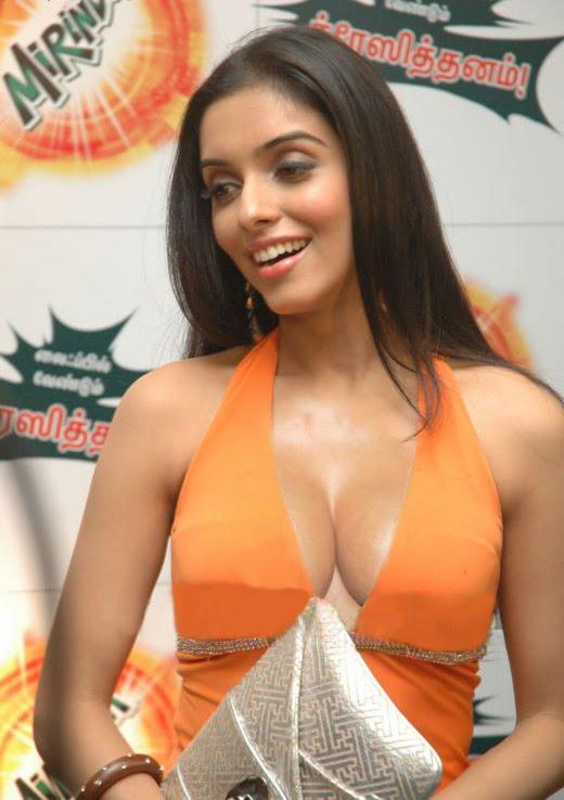 boobs images jasmine Meera