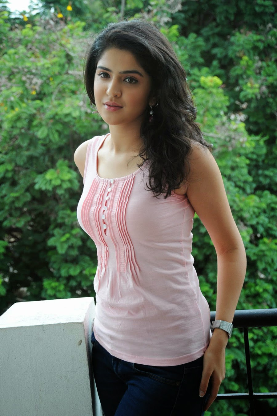 Deeksha Seth Latest Photos Actress Oviya Cleavage