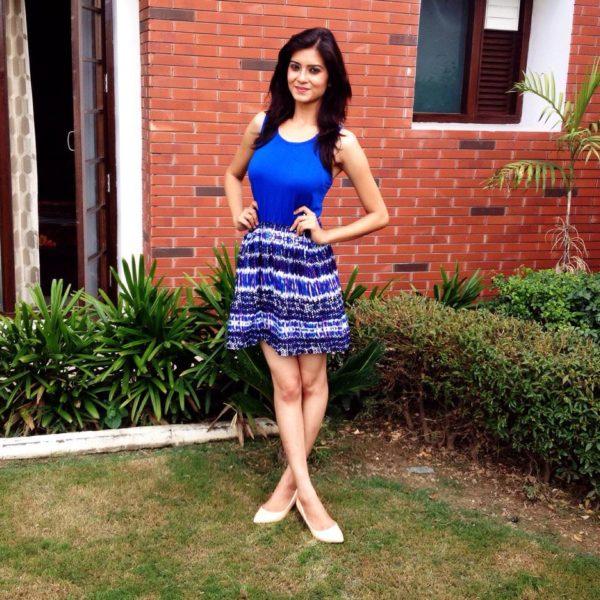 Punjabi Actress Aakansha Sareen Hot Photo