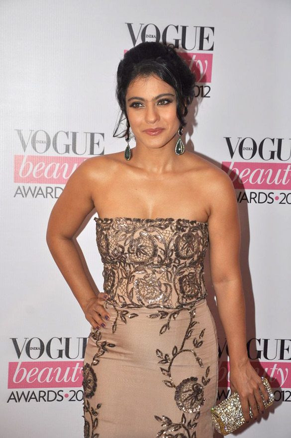 Kajol-Age-Height-Weight Scorching & Sexy Kajol Devgan Wiki Age Peak Bikini Swimsuit {Photograph}