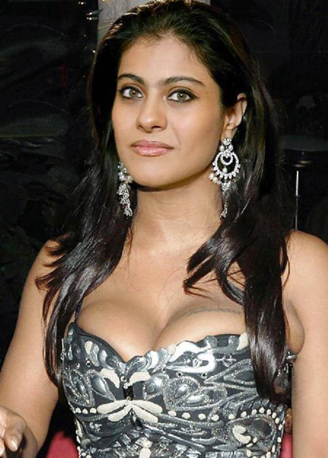 Kajol-Hot-Images Scorching & Sexy Kajol Devgan Wiki Age Peak Bikini Swimsuit {Photograph}