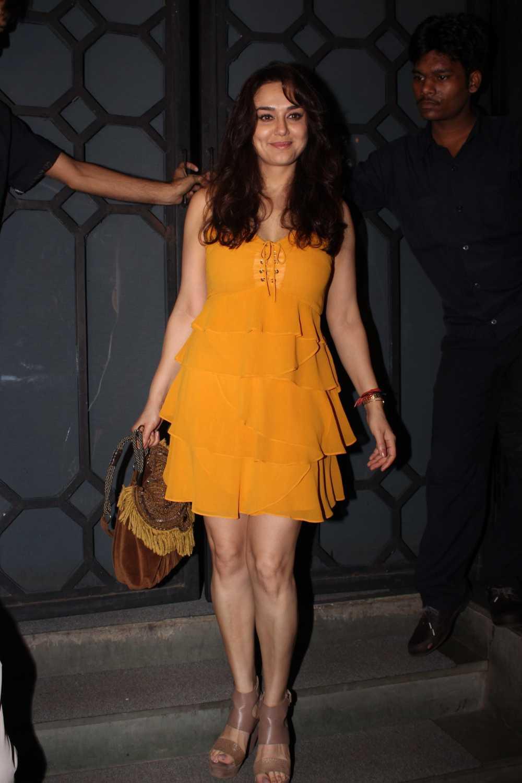 Preity Zinta Age Height Weight Wiki Bio Family Hot Photo
