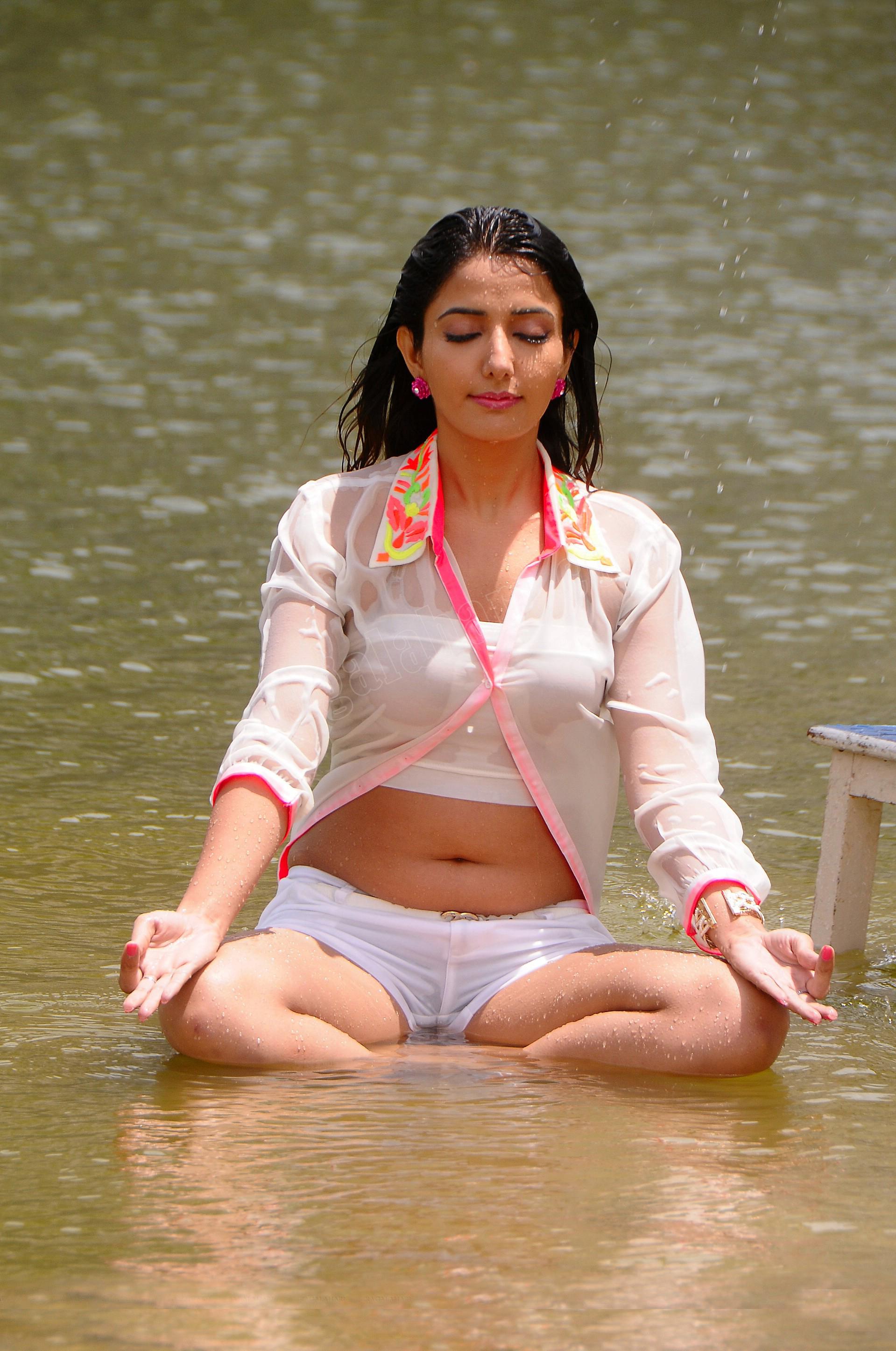 Cleavage Madhurima Tuli nude (52 pics) Porno, Facebook, bra