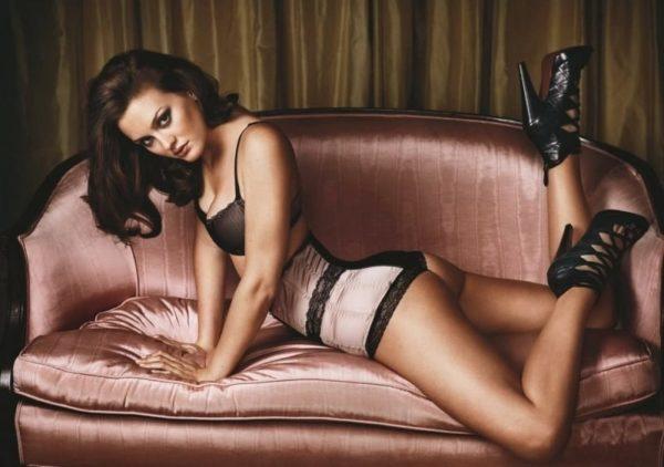 Leighton-Meester-Bikini-Image-600x422 Actress Leighton Meester Wiki Biography Age Sizzling Bikini Photograph